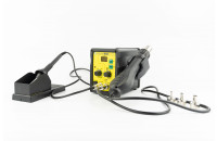 Soldering station with hot air